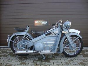 1934 Victoria KR8