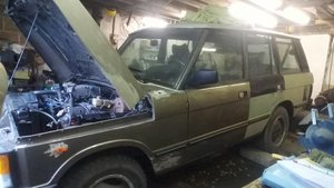 1986 Range Rover Classic for light restoration