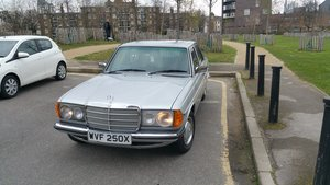 Picture of 1981 Mercedes W123 Immaculate