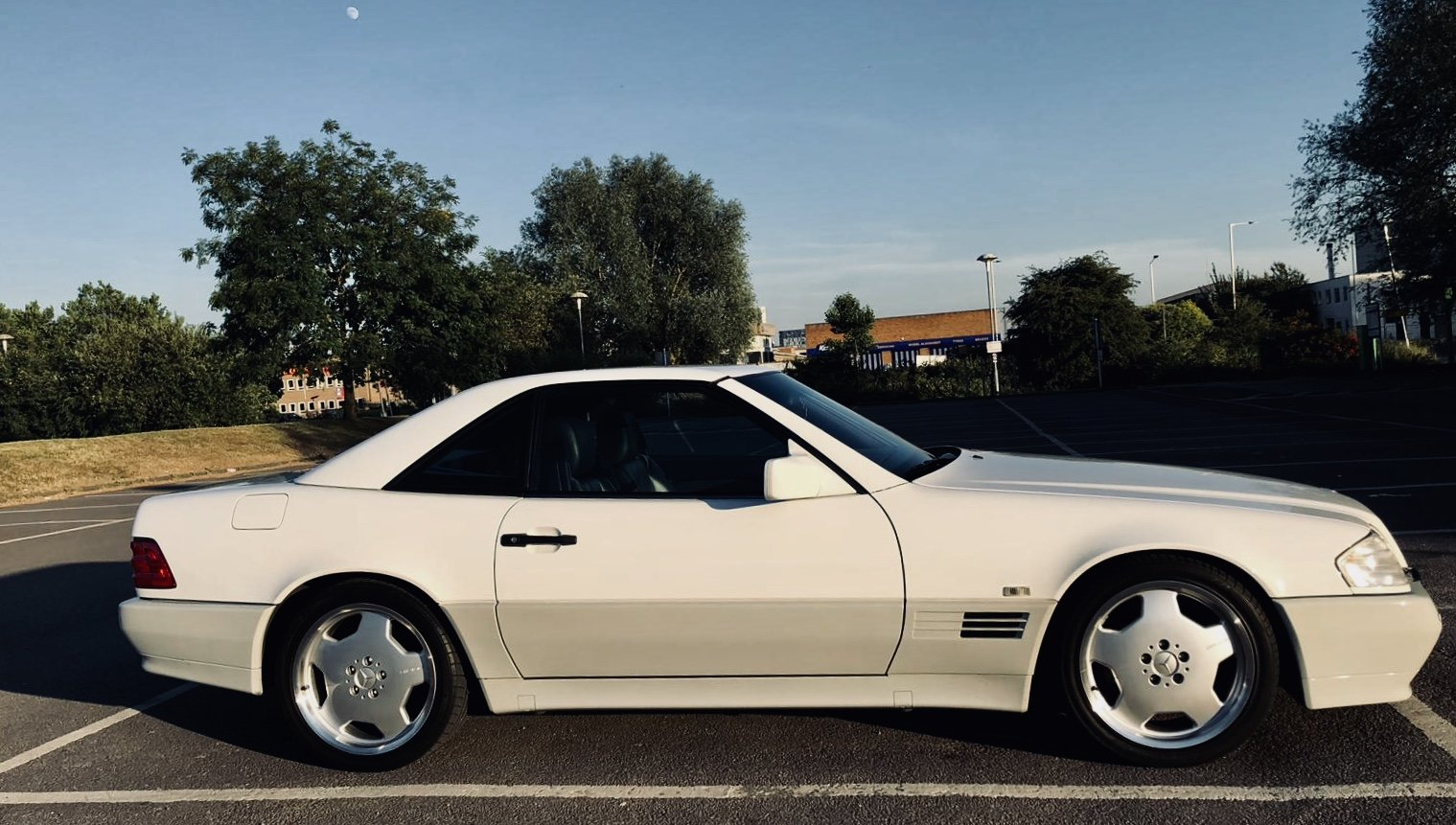 1992 Mercedes SL 500 Lovely White Convertible For Sale (picture 6 of 6)
