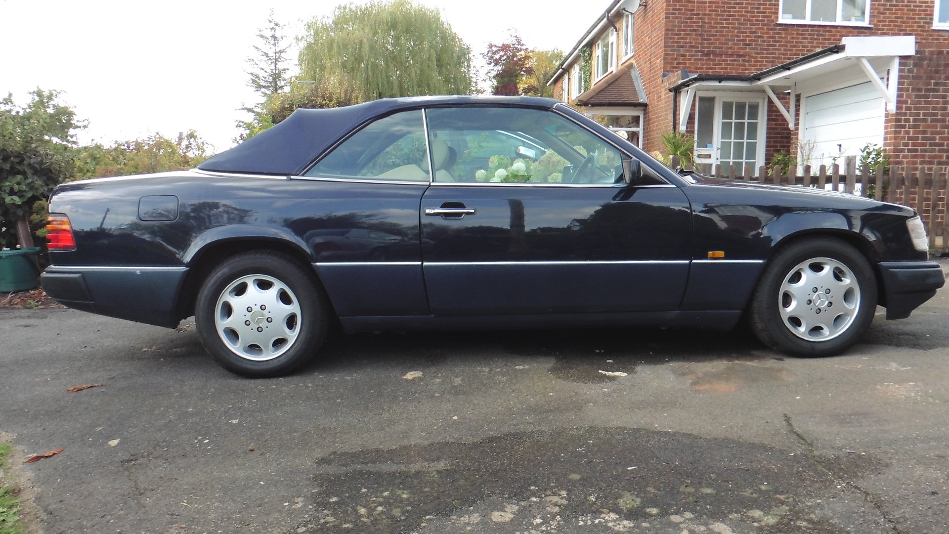 1993 Mercedes E320 CE Cabriolet For Sale (picture 1 of 6)