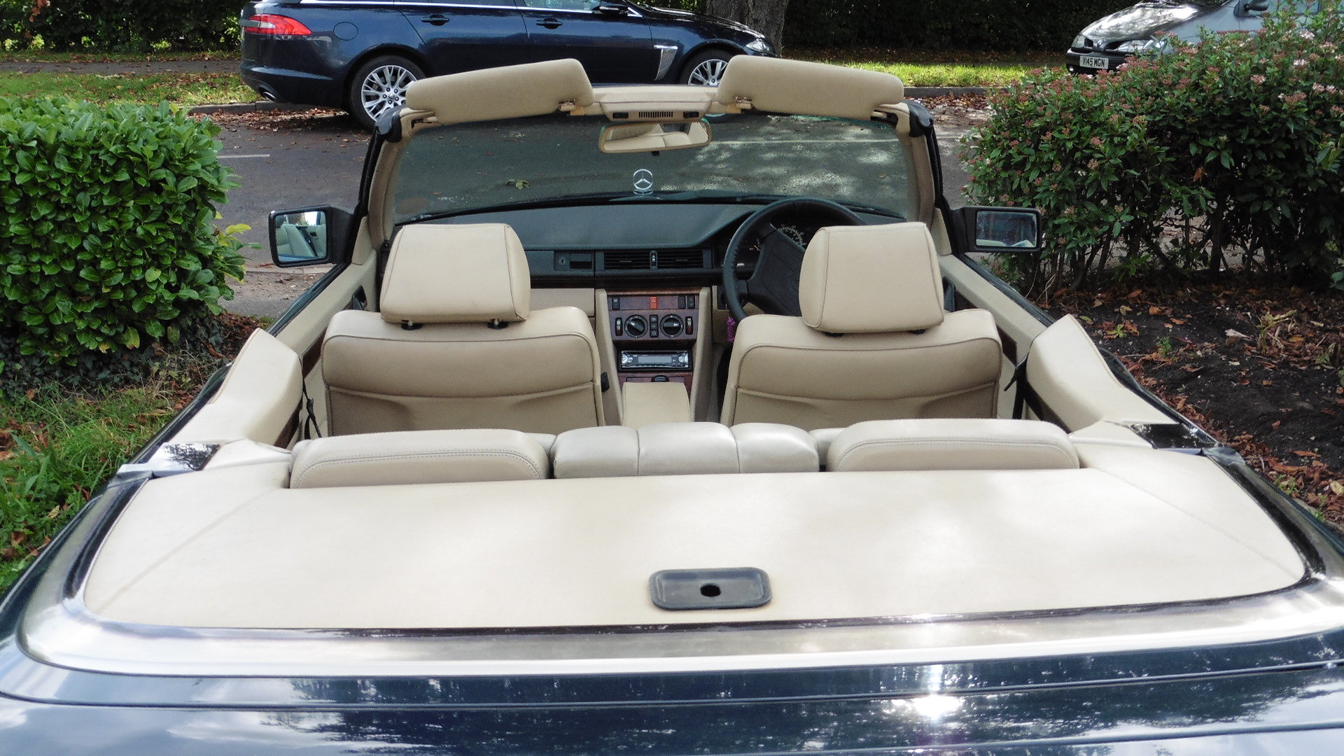 1993 Mercedes E320 CE Cabriolet For Sale (picture 6 of 6)