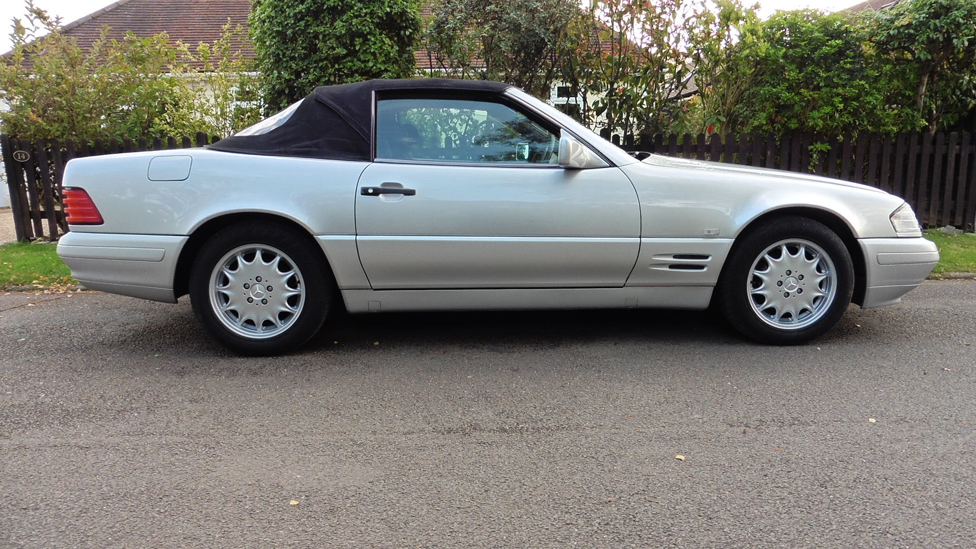 1996 Mercedes SL320 For Sale (picture 2 of 6)