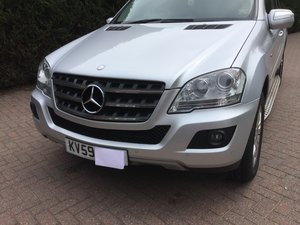2009 Mercedes benz ML 300 Blue efficiency SE CDI auto