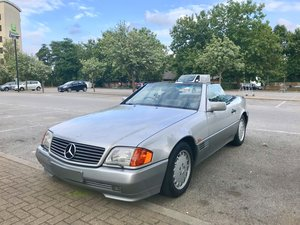 1990 Mercedes 500SL one of the first r129 built
