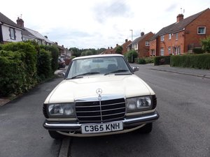 1985 Mercedes 200, long mot, rust free, great condition