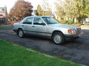 1989 Mercedes-Benz W124 230E For Sale