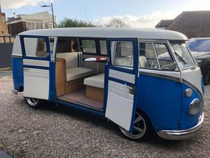1967 VW SPLIT SCREEN MINT