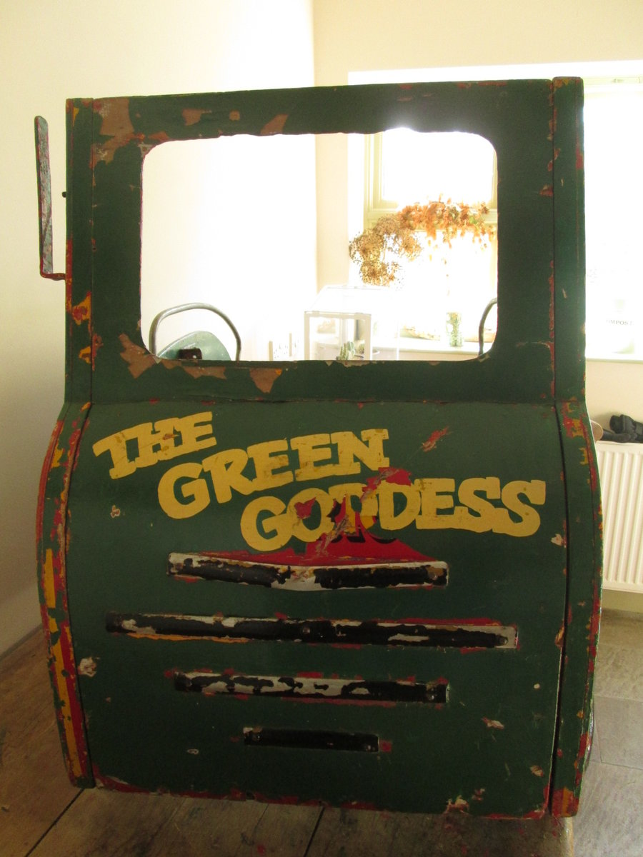 Green Goddess Fairground carousel For Sale (picture 2 of 6)