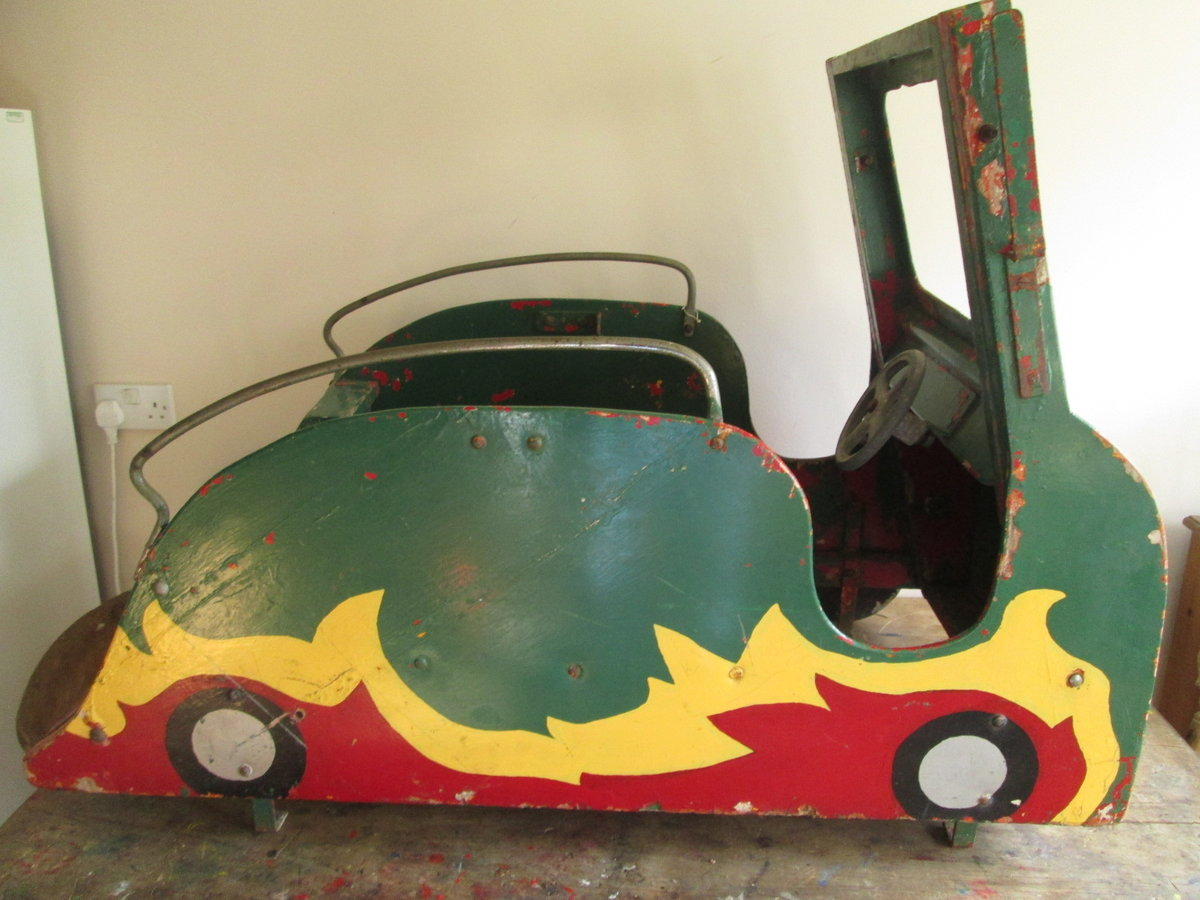Green Goddess Fairground carousel For Sale (picture 4 of 6)