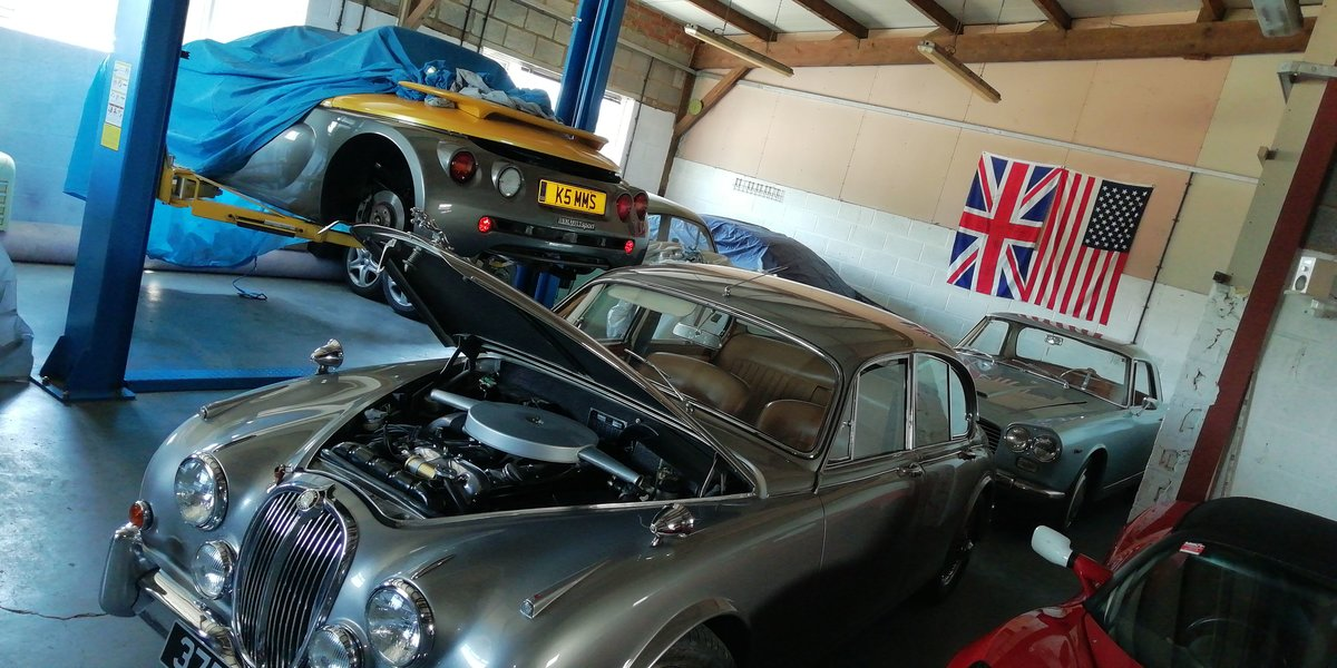 Classic Car Storage - East Northants  (picture 2 of 4)