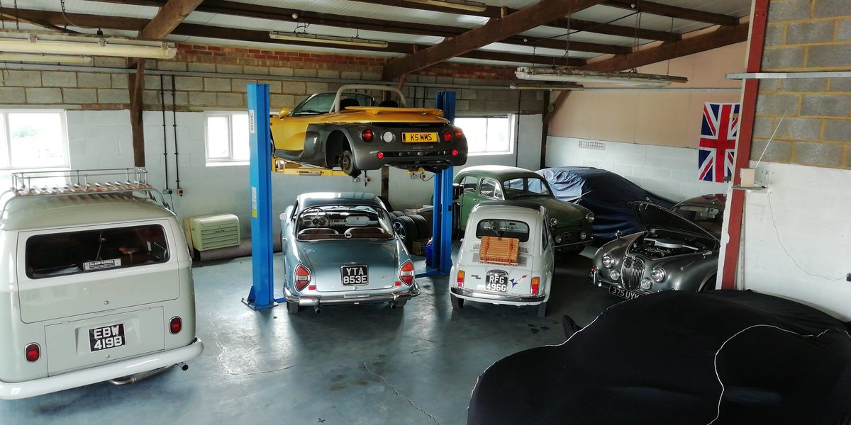 Classic Car Storage - East Northants  (picture 3 of 4)
