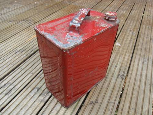 Collectors antique valor petrol can For Sale (picture 1 of 2)