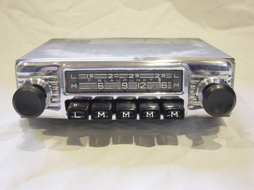 Classic and Vintage Converted Car Radios For Sale (picture 6 of 6)