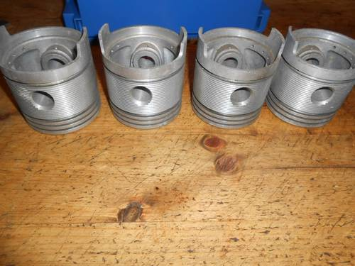 piston set For Sale (picture 1 of 4)