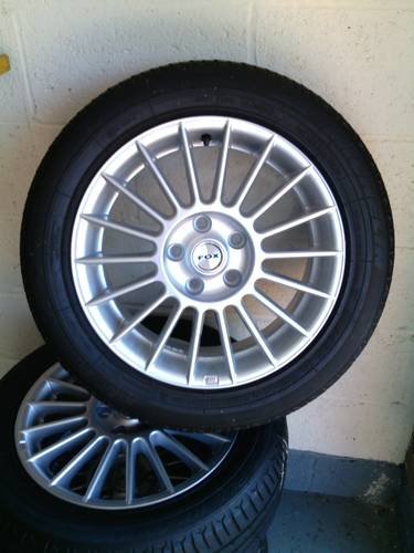 Fox racing 3 evo  premier  alloys with tyres For Sale (picture 2 of 6)