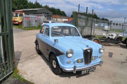 Classic car sales, servicing & restoration £30 hr  (picture 1 of 5)