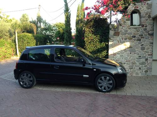 2004 Excelent unmolested  RENAULT CLIO  182 SPORT , CUP For Sale (picture 1 of 5)