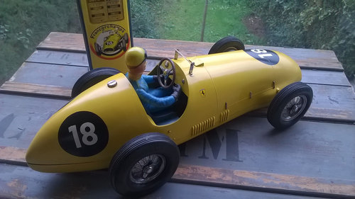 Ferrari Tipo 500 / F2 by Toschi, 1952 For Sale (picture 2 of 3)