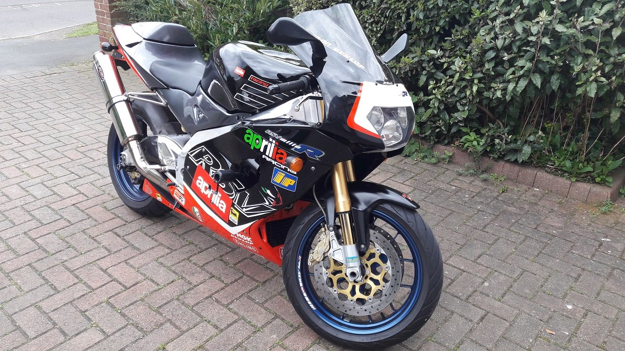 2001 Aprilia RSV Mille R in Excellent Condition For Sale (picture 2 of 6)