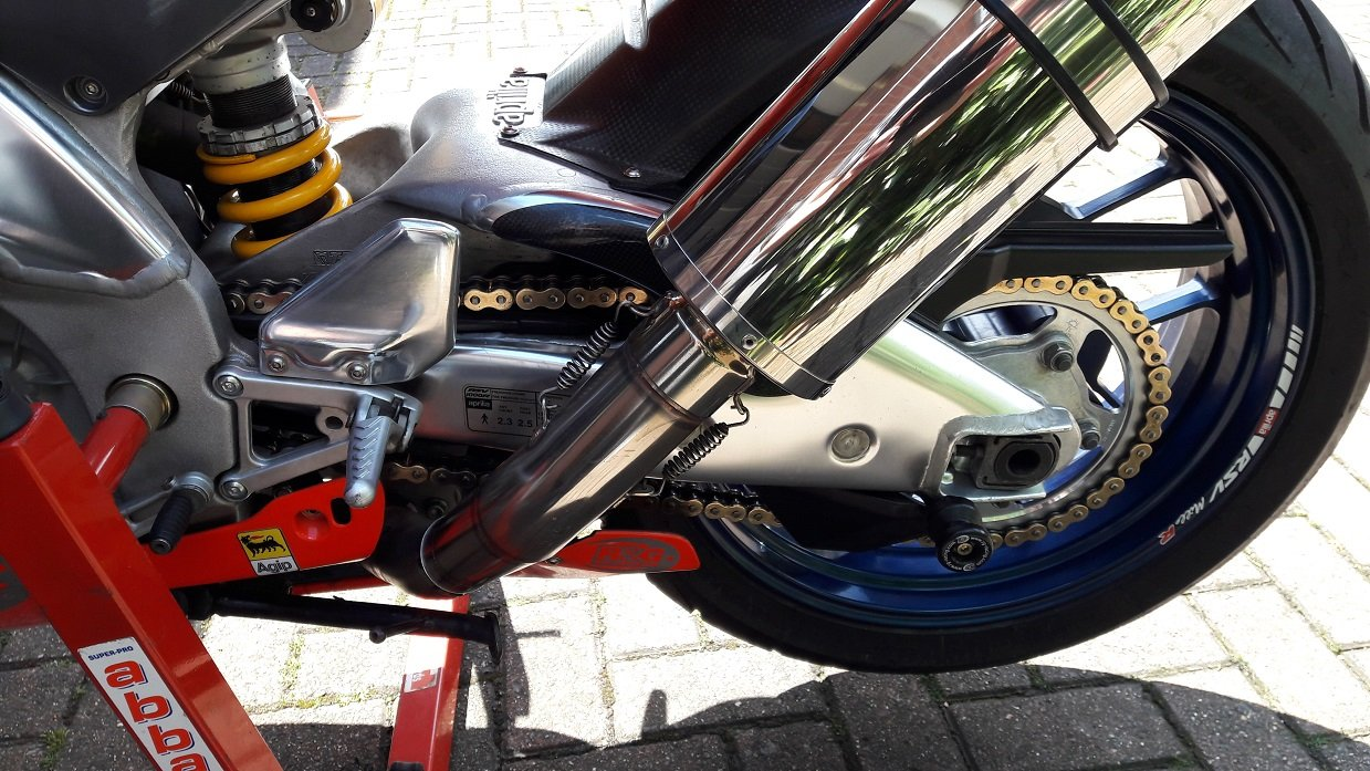2001 Aprilia RSV Mille R in Excellent Condition For Sale (picture 6 of 6)