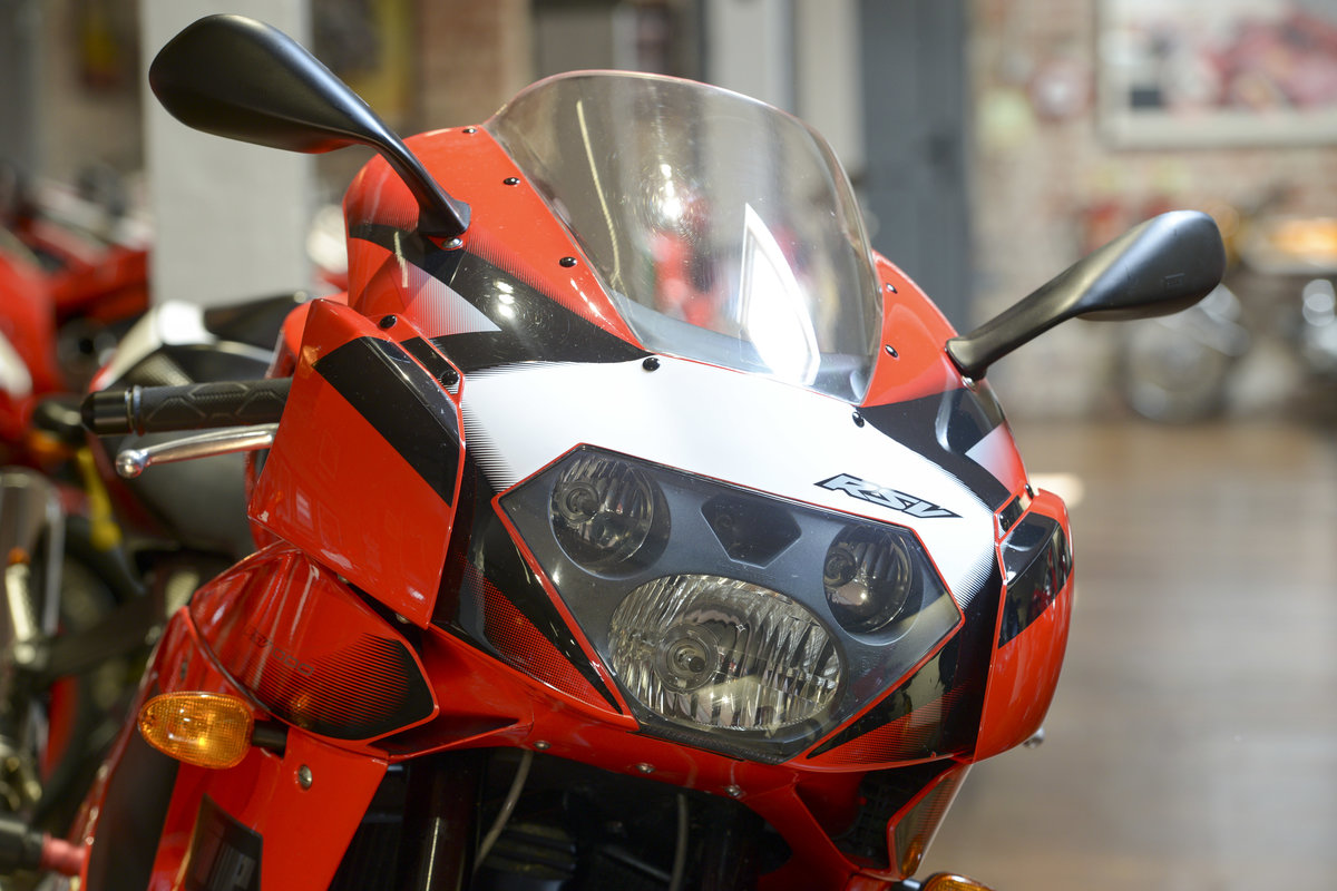 2003 Aprilia RSV1000R Evo Stunning low mileage example For Sale (picture 3 of 6)