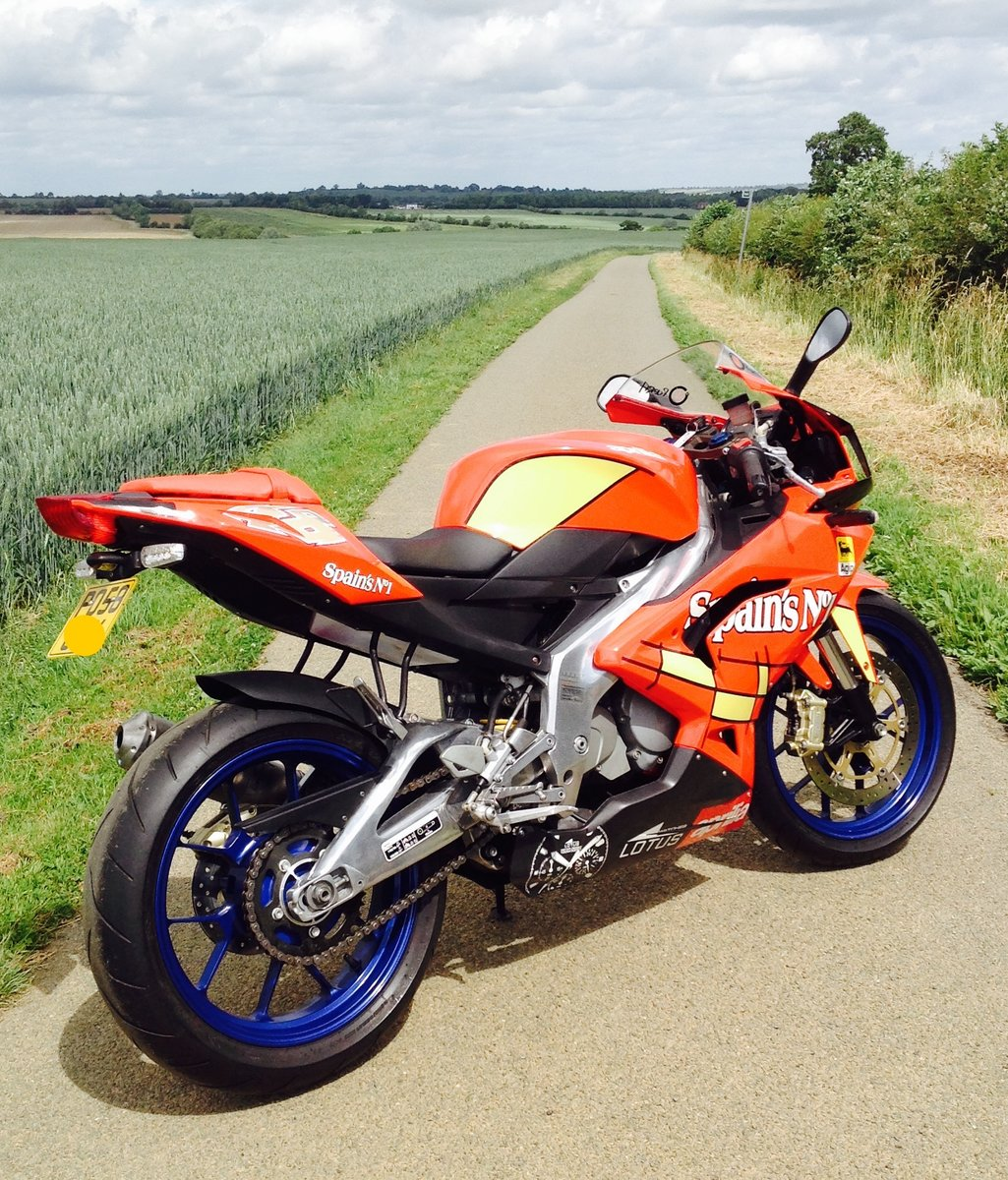 2008 Aprilia RS125. 2 Stroke. Full Power. 693m only. SOLD (picture 1 of 6)