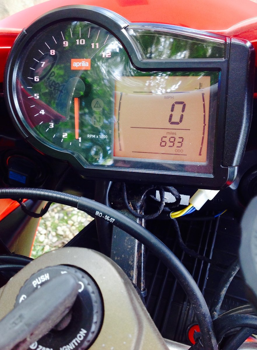 2008 Aprilia RS125. 2 Stroke. Full Power. 693m only. SOLD (picture 6 of 6)
