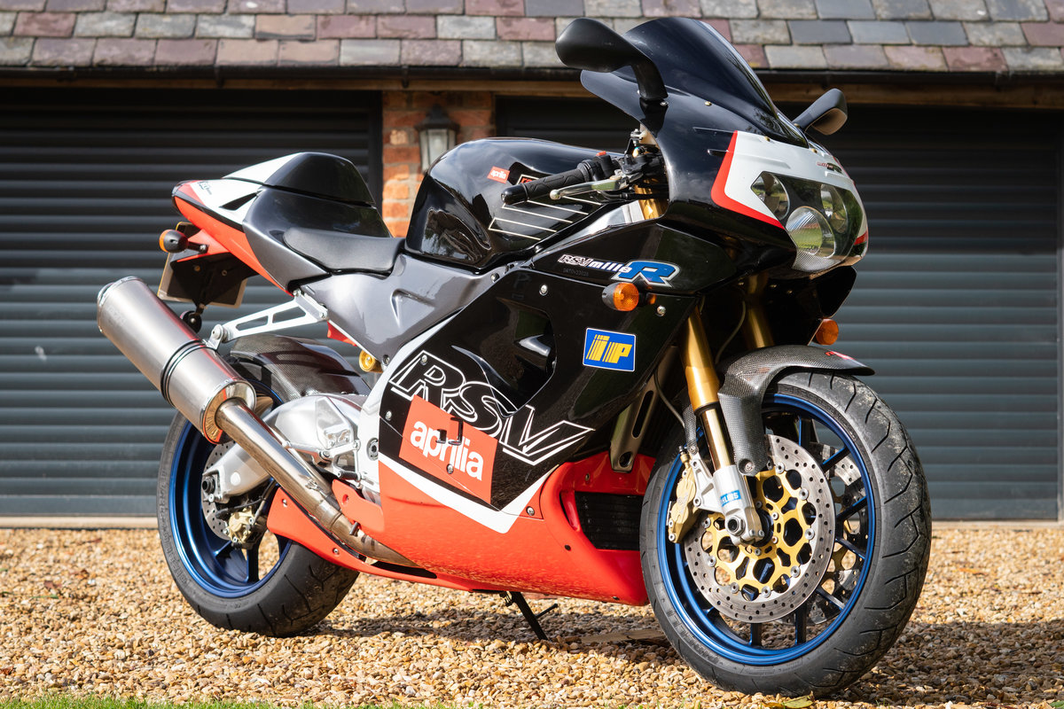 2000 Aprilia RSV MIlle R , only 8600 miles, Gen 1 For Sale (picture 1 of 6)