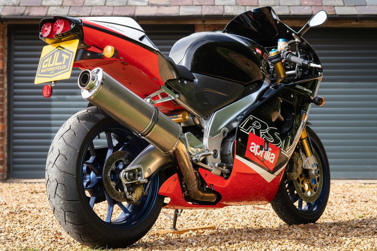 2000 Aprilia RSV MIlle R , only 8600 miles, Gen 1 For Sale (picture 2 of 6)
