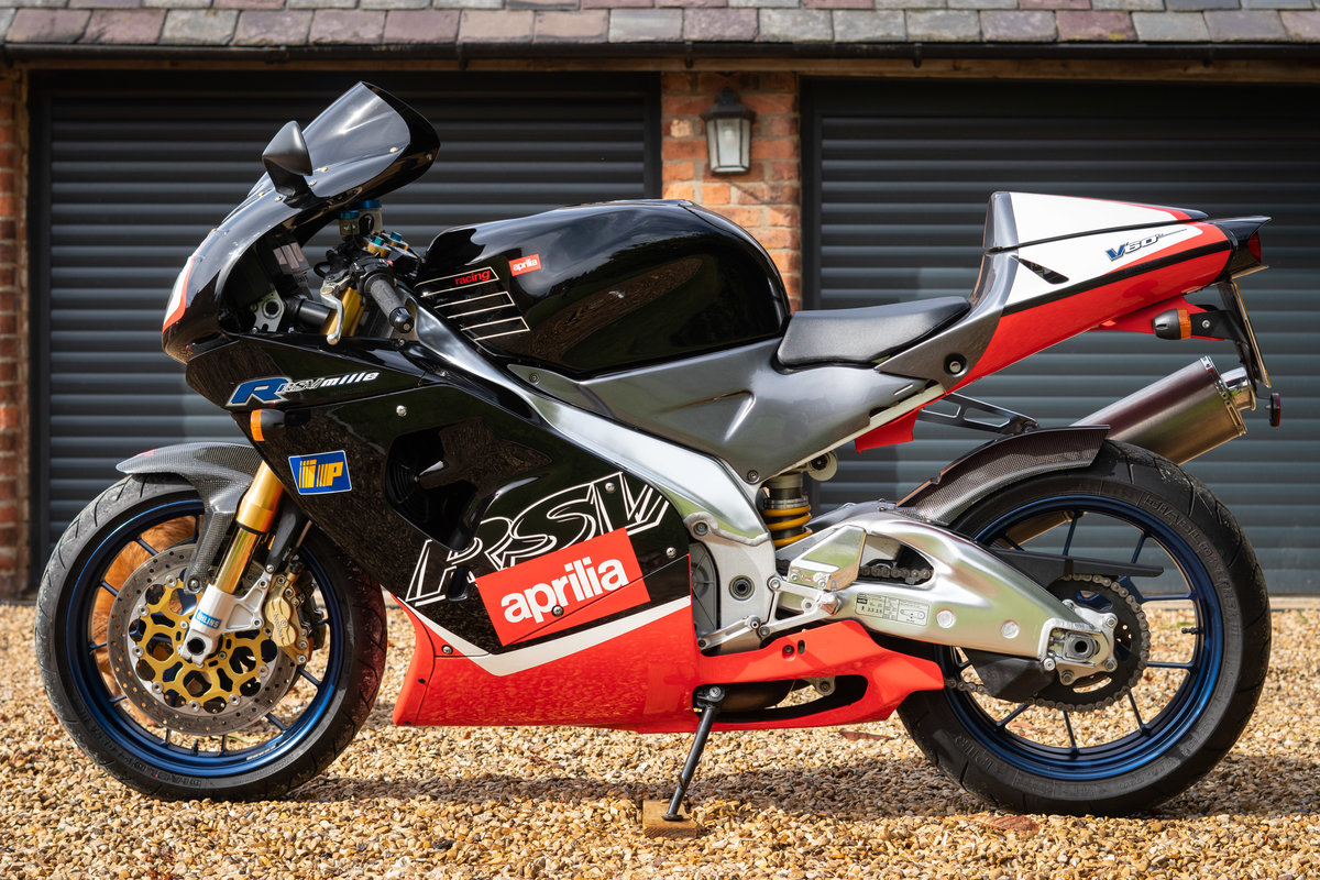 2000 Aprilia RSV MIlle R , only 8600 miles, Gen 1 For Sale (picture 3 of 6)