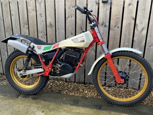 Picture of 1885 APRILIA TWIN SHOCK TRIALS VERY TRICK BIKE CLIMBER CASES For Sale