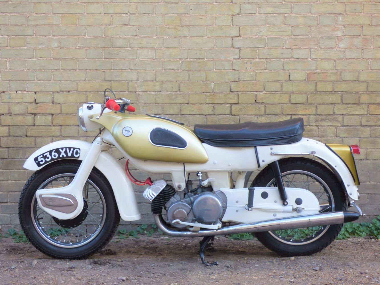 1962 Ariel Super Sports 'Golden' Arrow 250cc SOLD (picture 2 of 6)