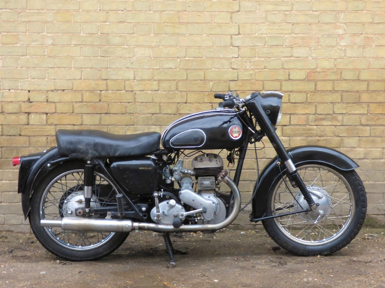 1957 Ariel VB 600cc side valve SOLD (picture 1 of 6)