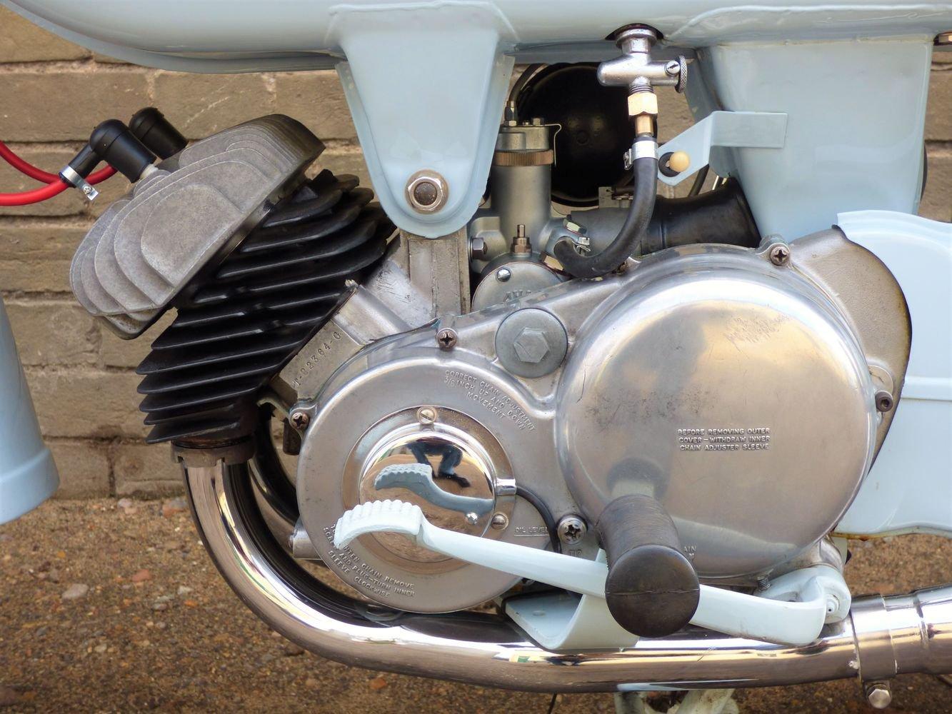 1961 Ariel 'Golden' Arrow Super Sports 250cc SOLD (picture 3 of 6)