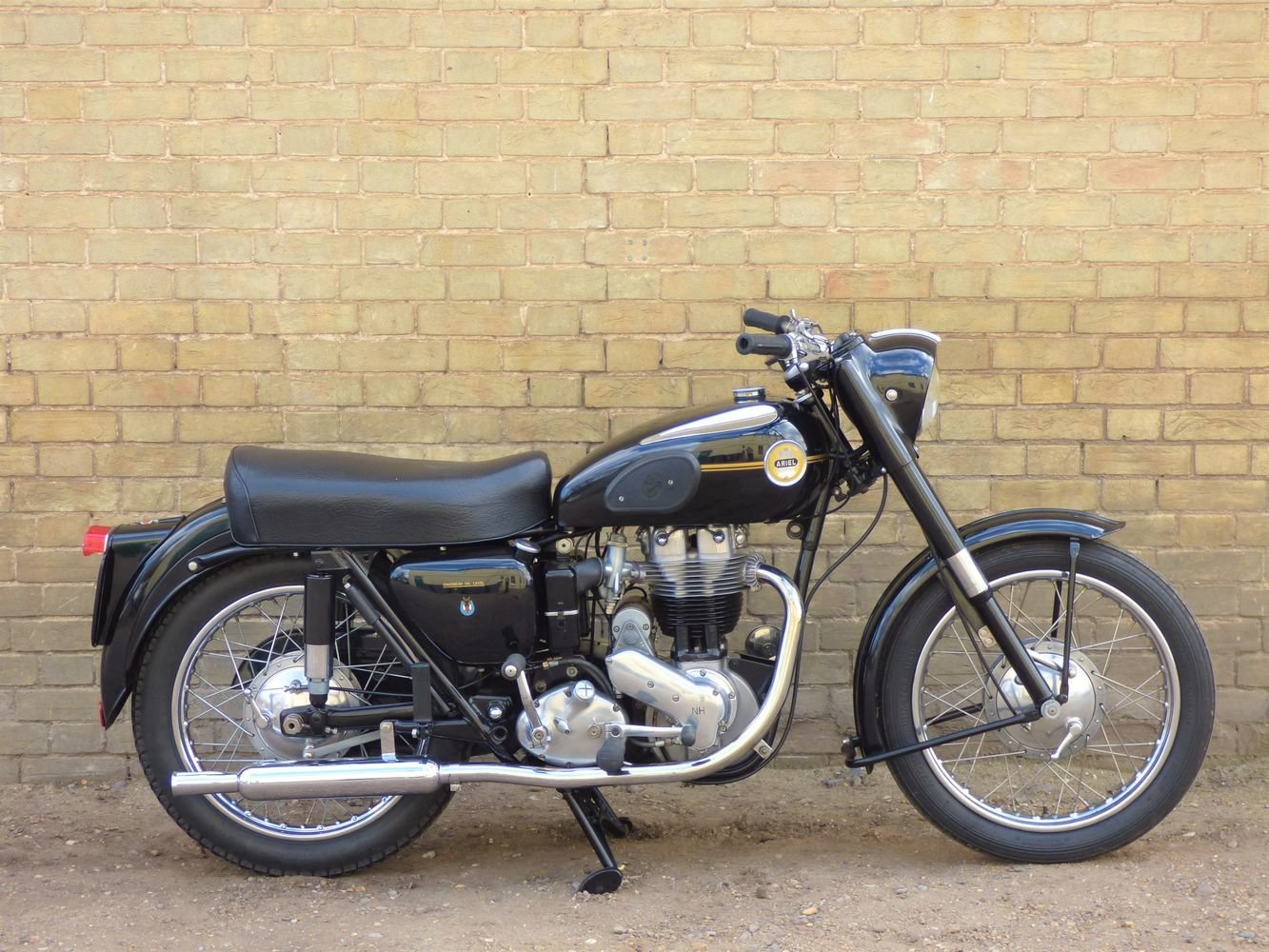 1955 Ariel NH 350cc For Sale (picture 1 of 6)
