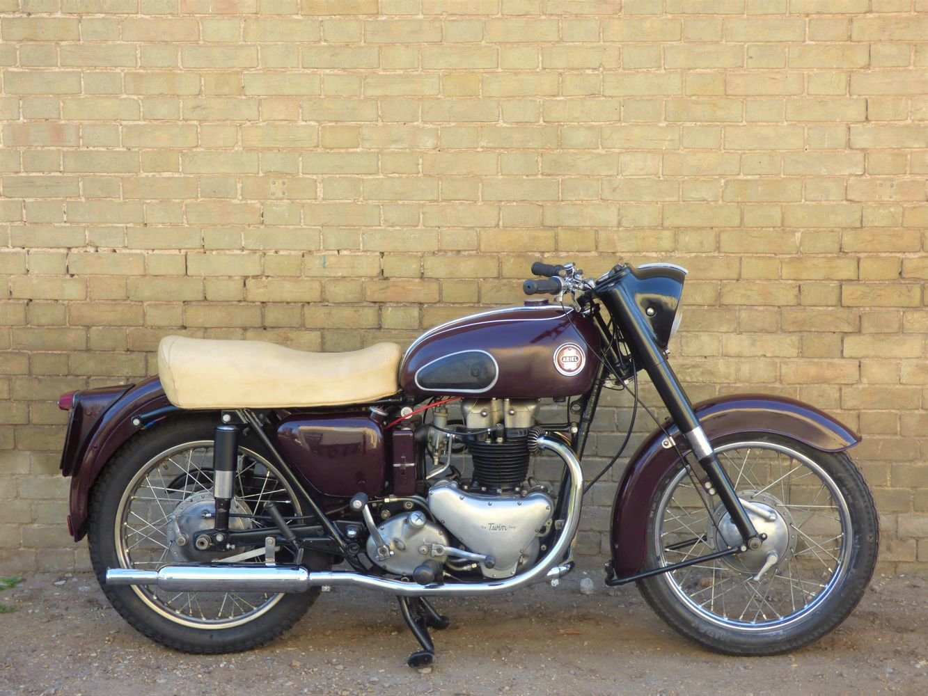 1956 Ariel Huntmaster 650cc SOLD (picture 1 of 6)