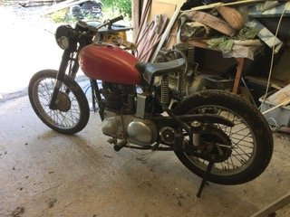 1952 Ariel Red Hunter Barn find/ bereavement sale  For Sale (picture 2 of 6)
