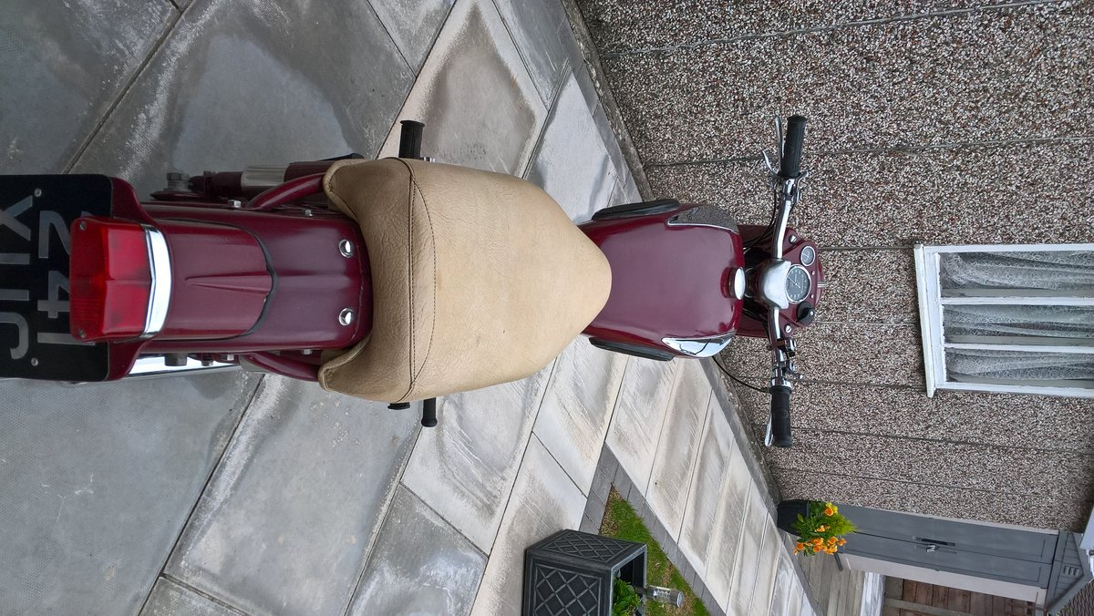 1956 Ariel 350 Red Hunter. For Sale (picture 4 of 6)