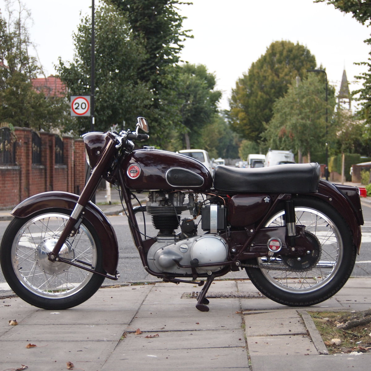 1957 Ariel NH350 Red Hunter, RESERVED FOR REMKO SOLD (picture 4 of 6)
