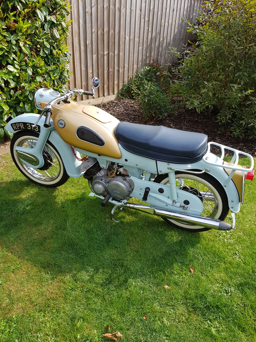 1961 Ariel Arrow 250cc restored in 2012 For Sale (picture 1 of 6)