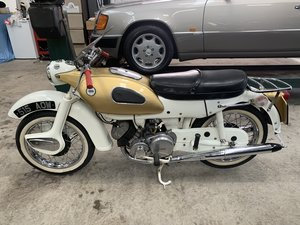 ARIEL 250 SPORT GOLDEN ARROW.
