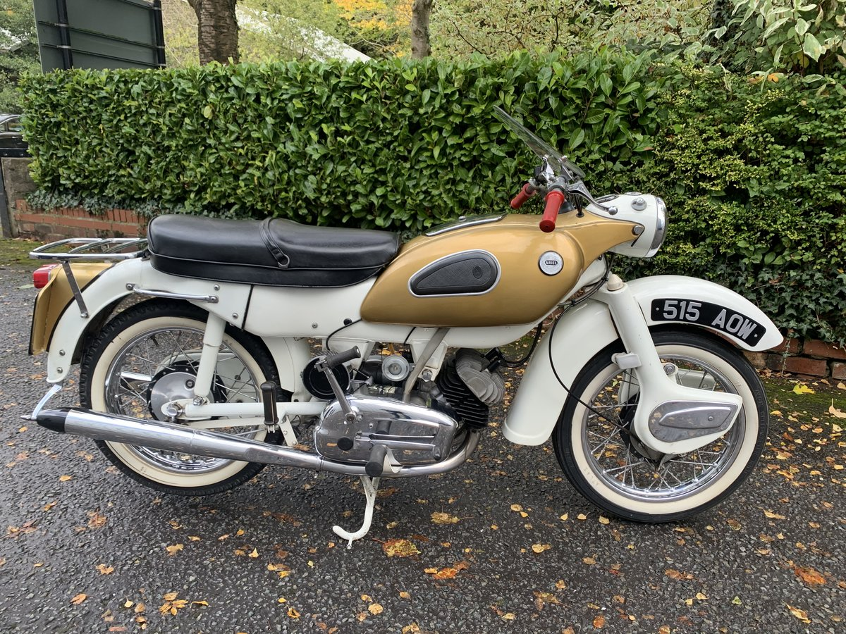 1962 ARIEL 250 SPORT GOLDEN ARROW. For Sale (picture 2 of 8)