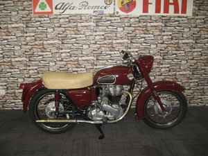 Picture of 1958 Ariel 350 Red Hunter finished in maroon and black For Sale