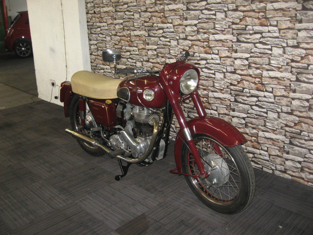 1958 Ariel 350 Red Hunter finished in maroon and black For Sale (picture 2 of 12)