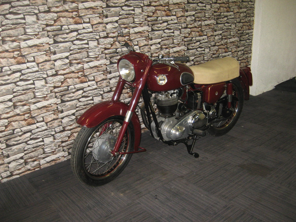 1958 Ariel 350 Red Hunter finished in maroon and black For Sale (picture 3 of 12)