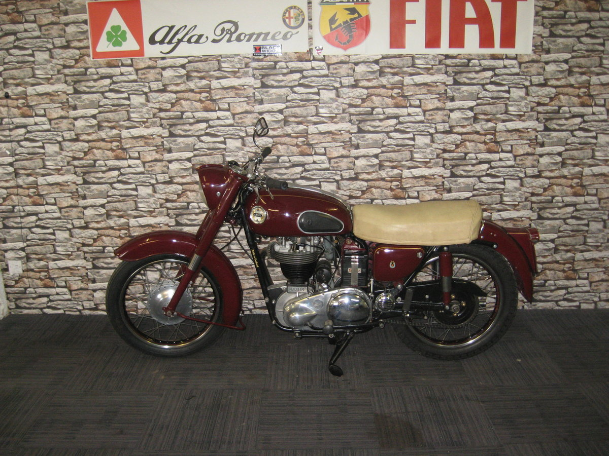 1958 Ariel 350 Red Hunter finished in maroon and black For Sale (picture 4 of 12)