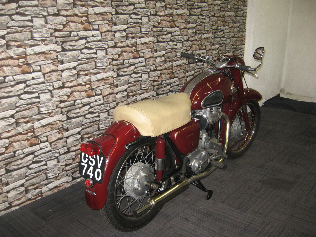 1958 Ariel 350 Red Hunter finished in maroon and black For Sale (picture 6 of 12)