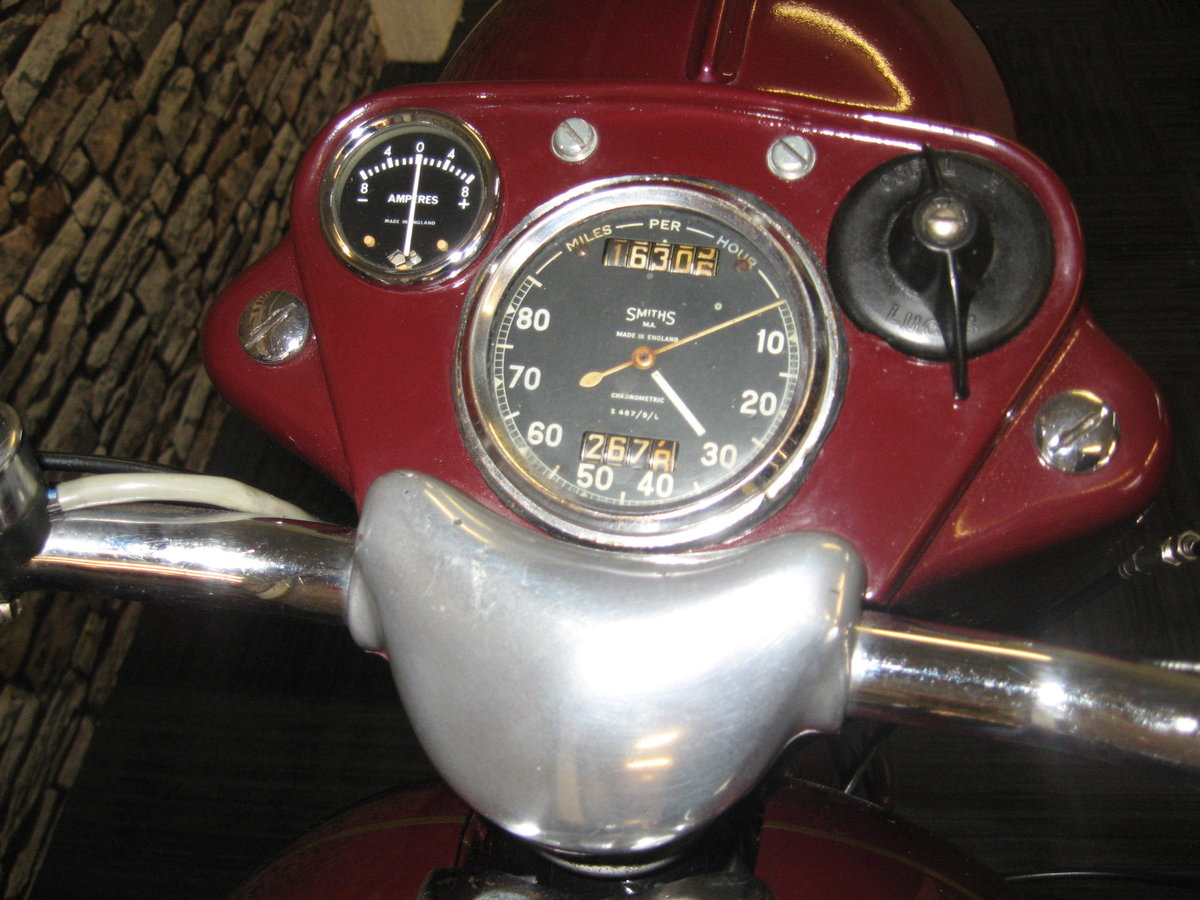 1958 Ariel 350 Red Hunter finished in maroon and black For Sale (picture 7 of 12)