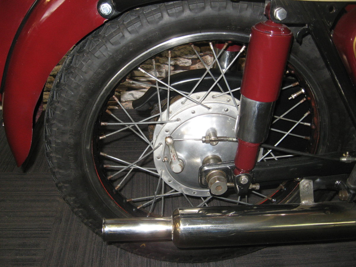 1958 Ariel 350 Red Hunter finished in maroon and black For Sale (picture 9 of 12)